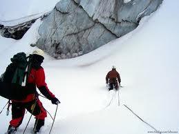 Encordados, para atravesar un glaciar