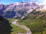 Los LLanos, desde arriba. Arriba a la derecha, Glaciar del Monte Perdido
