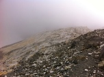 Últimos pasos para acceder a Francia, por el collado de La Munia, a 2.850 metros