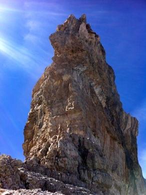 .........y 100 metros, de alto.........