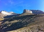 No es Monument Valley, es la Torre de Góriz, de camino al Punta de Las Olas