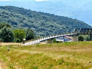 ......en ruta por la vía verde del Ferrocarril Vasco-Navarro